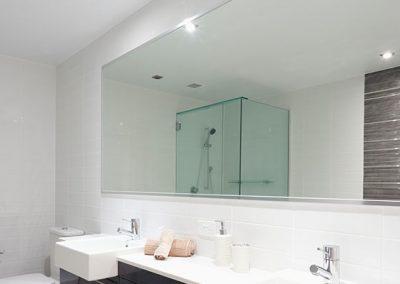 Fabrication et installation de douche en verre sur mesure a Montreal et Laval - Porte et Fenêtre Montreal